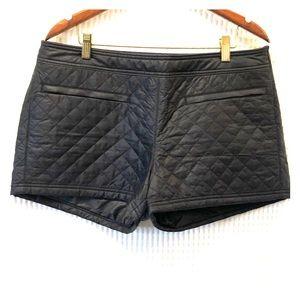 Athleta Toasty Buns Insulated Winter Shorts